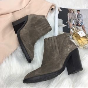 Like NEW Aquatalia Leather Suede Ankle Booties